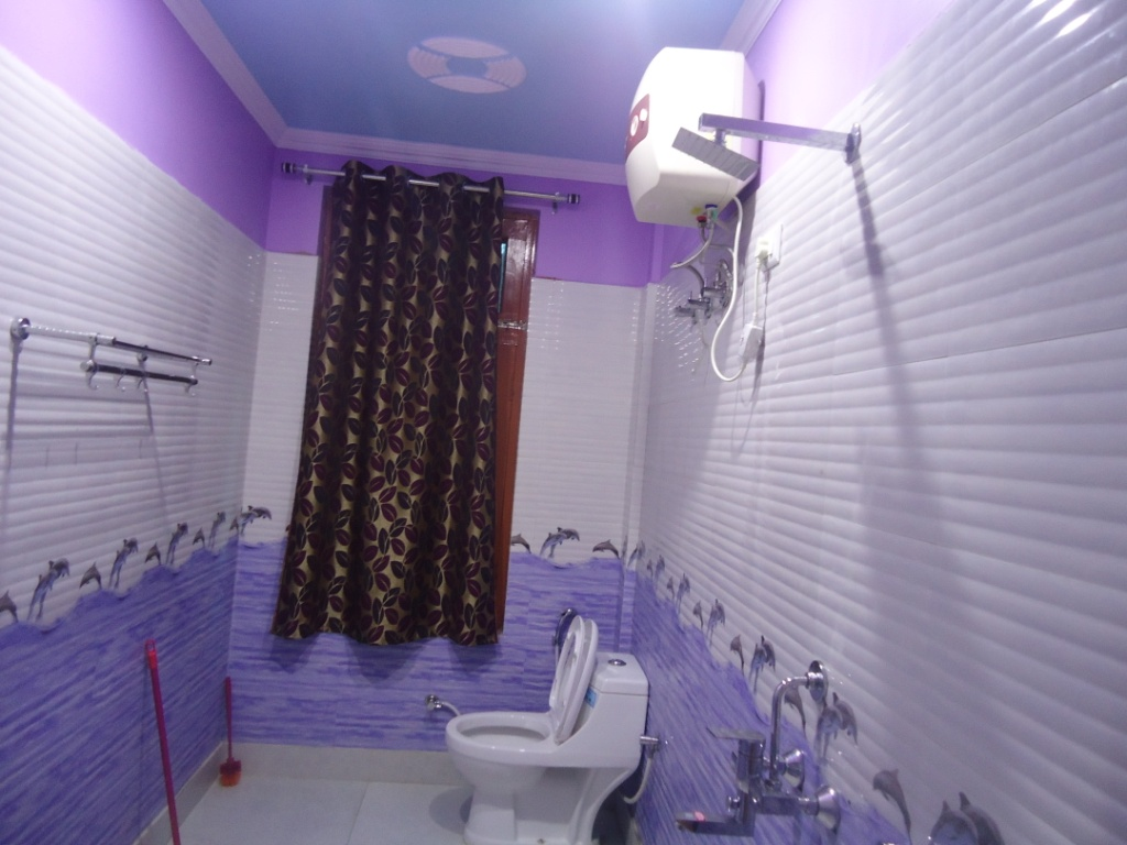 http://www.hotelranjeetpalace.com/files/uploads/2015/12/executive-deluxe-room-bathrooms.jpg